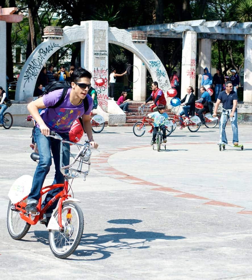 Mary Poppins conquisto a la colonia Condesa./Photo Cortesía OCESA para Artes9.com