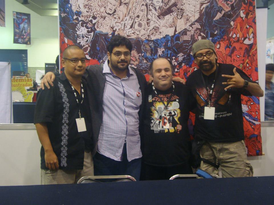 Los grandes con sus fans./By Dark Arikel en La Mole Comic. Con Internacional