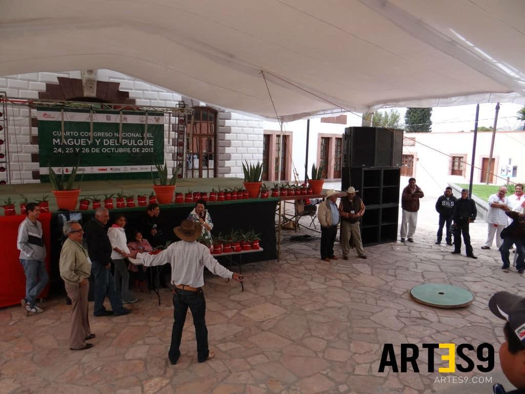 La competencia de la tradicional rayuela