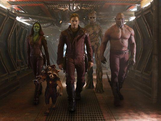 De izq a der: Gamora (Zoe Saldana), Rocket (voz de Bradley Cooper), Peter Quill (Chris Pratt), Groot (voz de Vin Diesel) y Drax el Destructor (Dave Bautista)