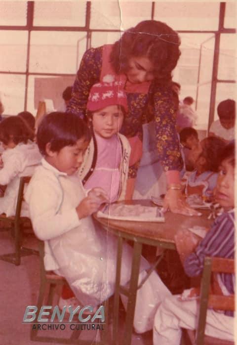 Beto, Aidita y la maestra Tita Jardín de niños Josefina Ortíz de Domínguez Cuauhtepec 1974
