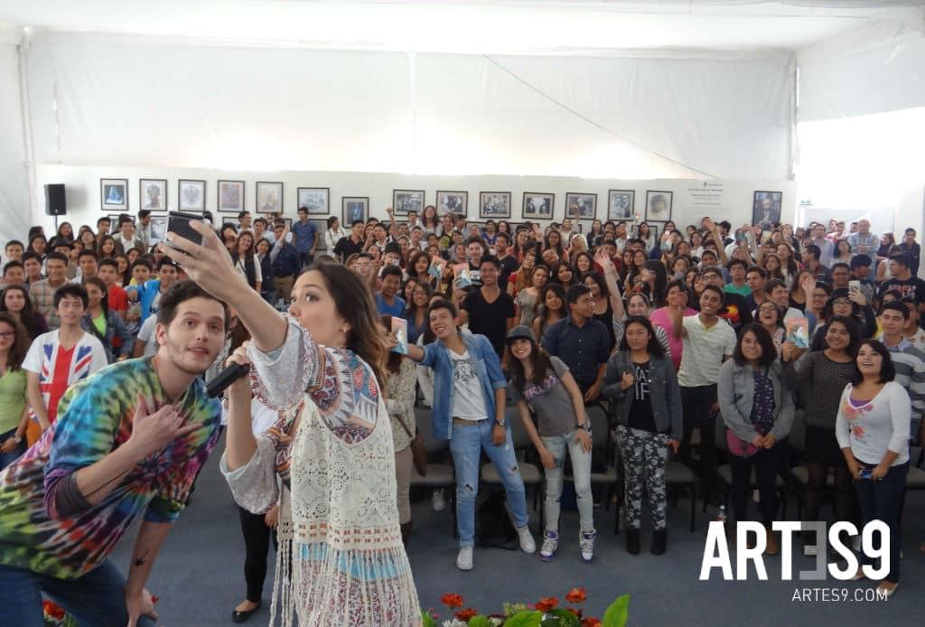 Carla y Erick Medina en la selfie del recuerdo / Photo by Alva Marquina