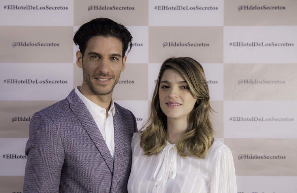 Erick Elías e Irene Azuela son los protagonistas de El Hotel de los Secretos.